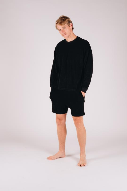 Black loungwear outfit for men