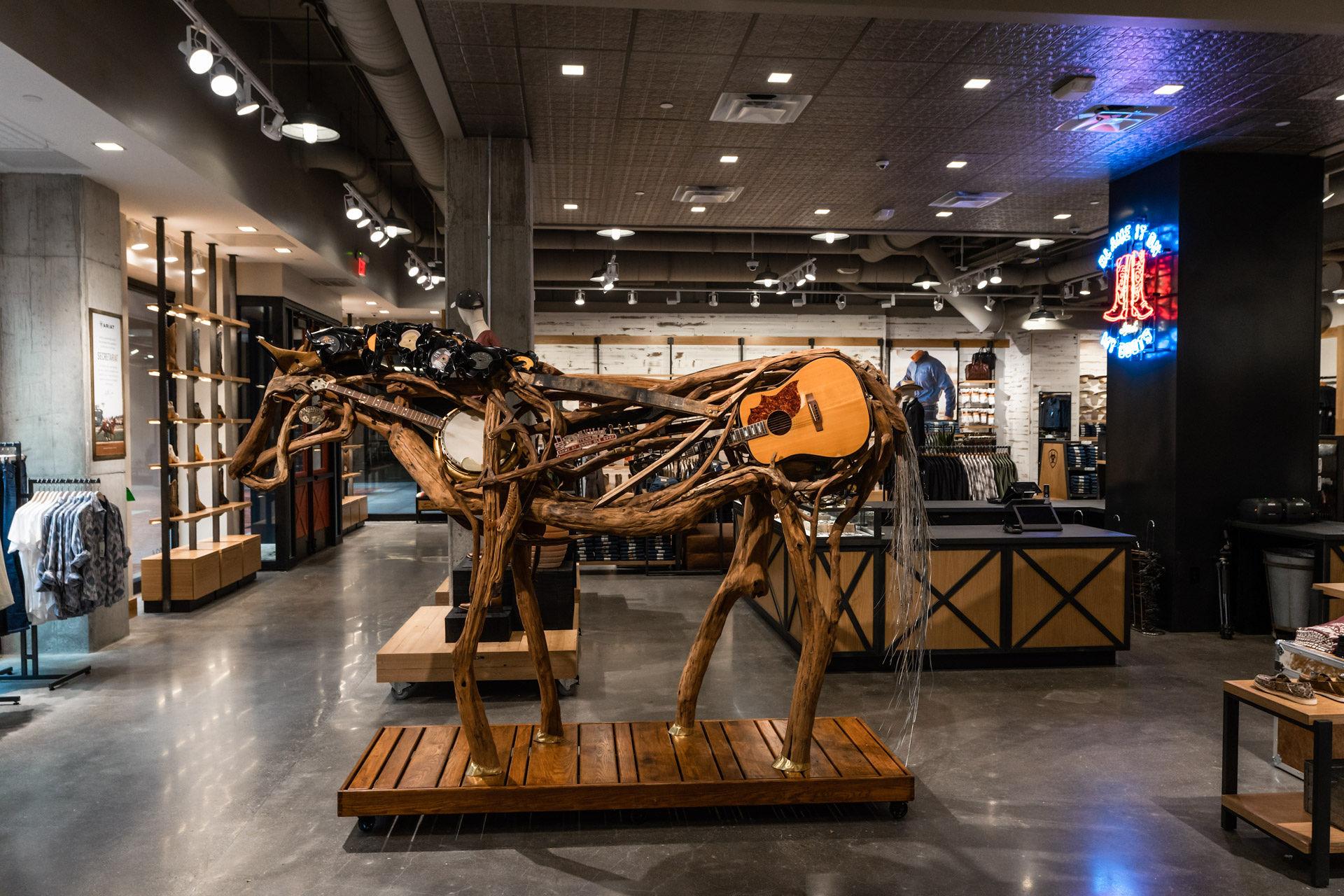 Music horse sculpture