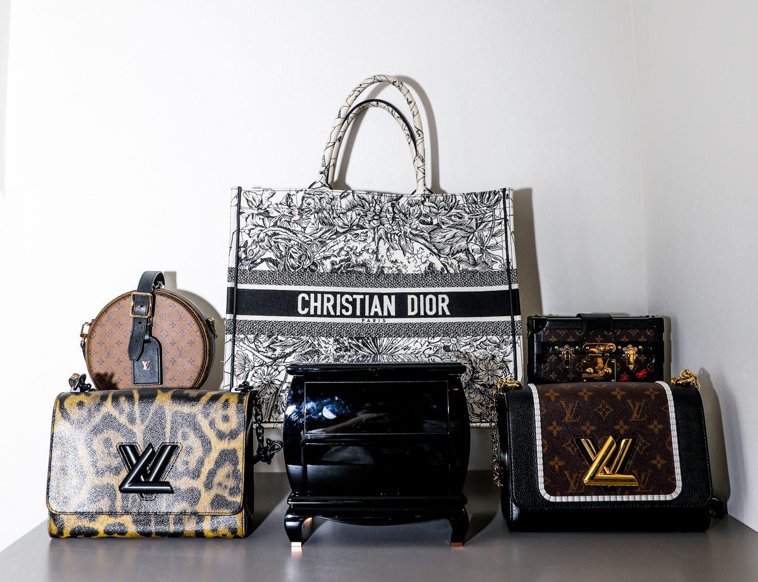 Essential handbag lineup in Elizabeth's closet