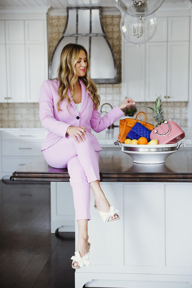 Elizabeth Allen shares her tips and her favorite pieces from her wardrobe.