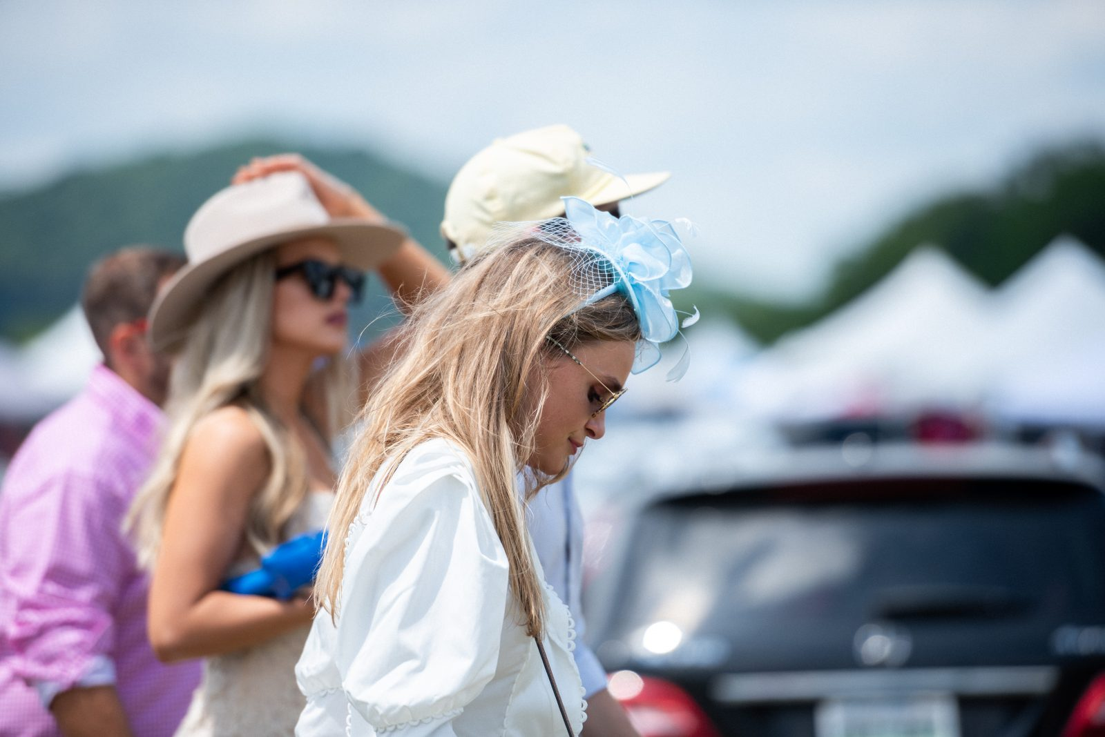 3 women and a man heading to steeplechase 21