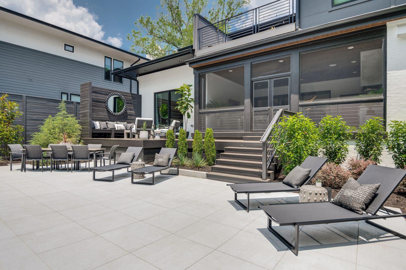 Hi-res backyard patio in Green Hills TN