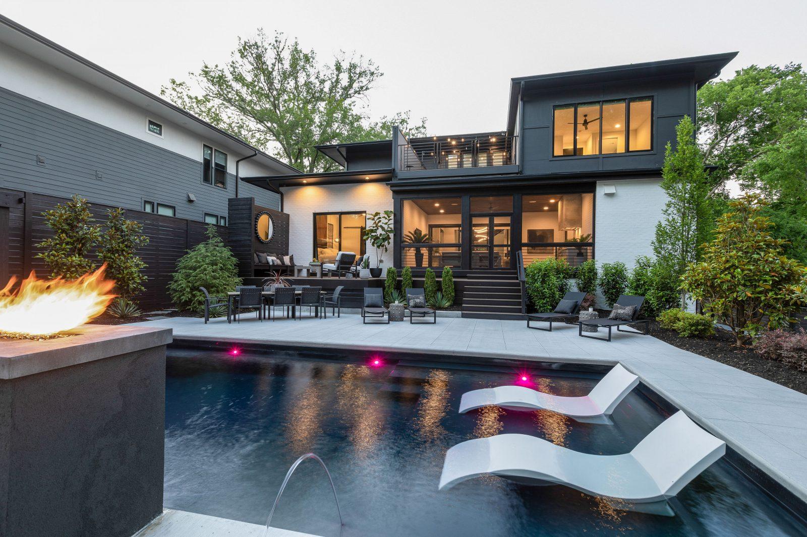 Cozy backyard pool getaway right outside of Nashville in Green Hills, TN