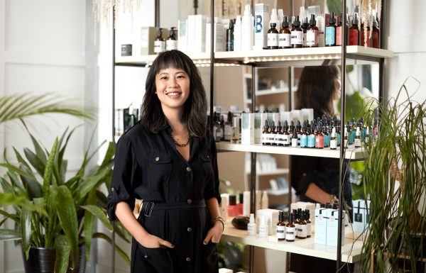 Sandra Lanshin Chiu, L.Ac. is a licensed acupuncturist, herbalist, and founder of her namesake Gua Sha tool, Lanshin-- a.k.a the reigning Gua Sha expert